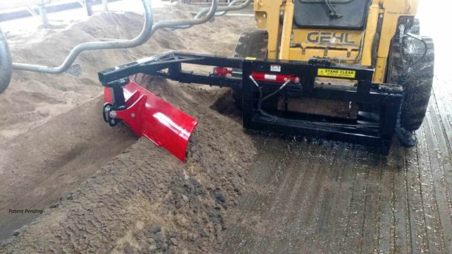 stall plow bedding extractor